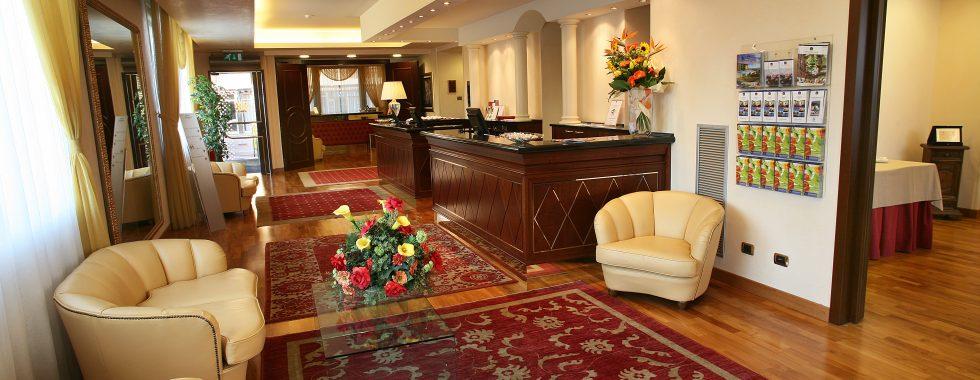 iH Hotels Admiral - Hall & Lobby